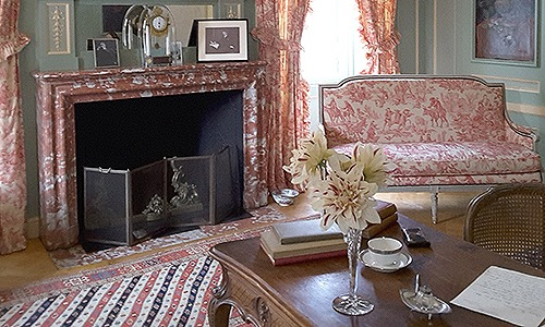 GUIDED HOUSE TOURS (INCLUDED WITH ADMISSION)