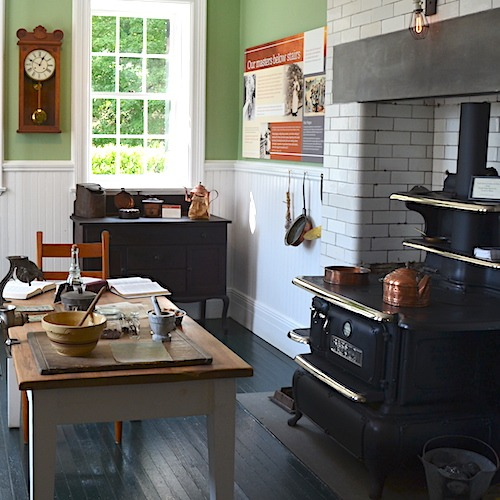Learn About The Daily Routines Of The Men And Women Who Ran The Mount  Through This Behind The Scenes Tour. The Backstairs ...