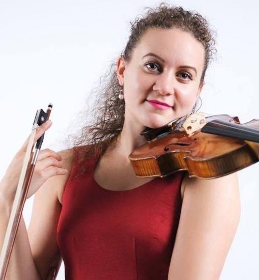 Robyn Quinnett, Violin