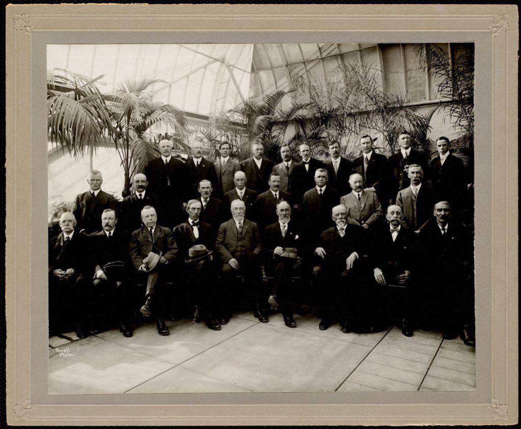 Lenox Horticultural Society photo of men 1916